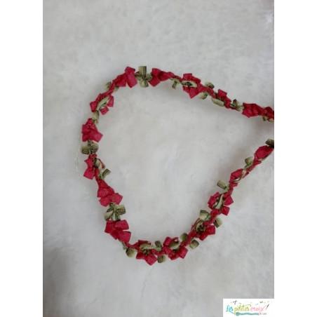 Ruban fleurs rouge